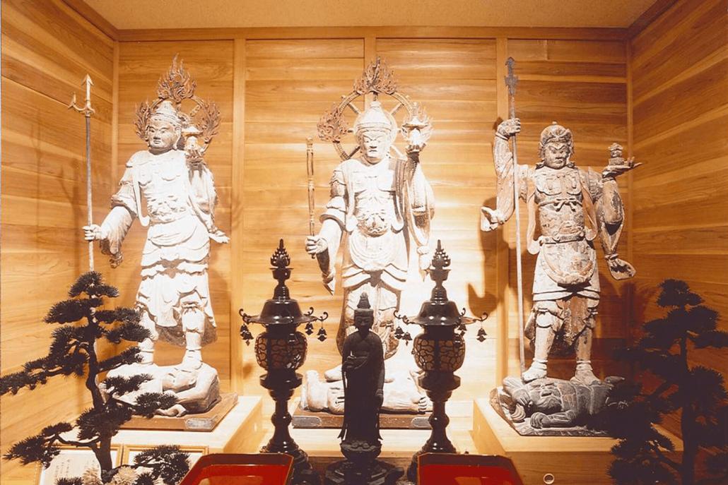 高寺院 毘沙門天立像